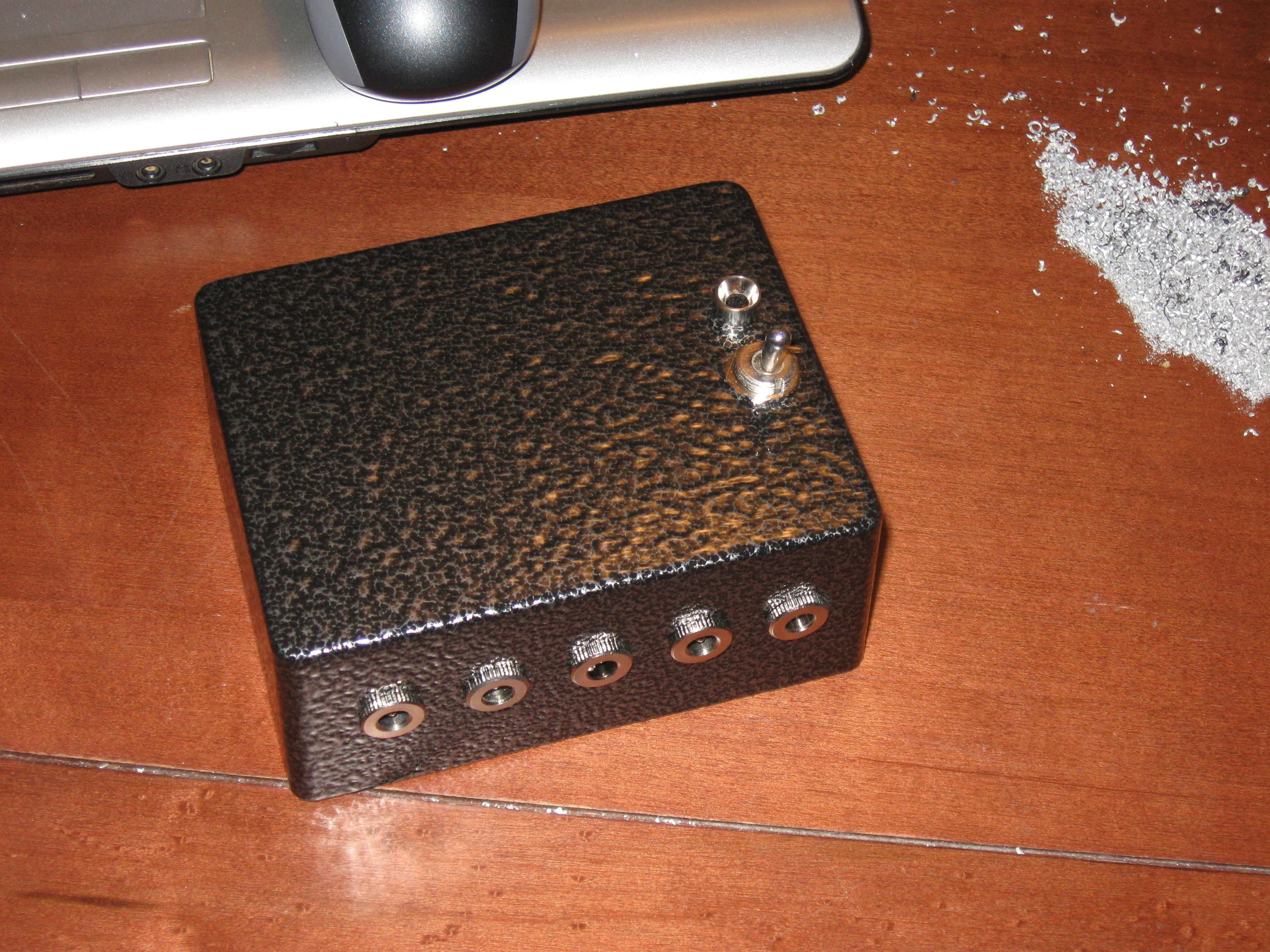 how to build a stomp box