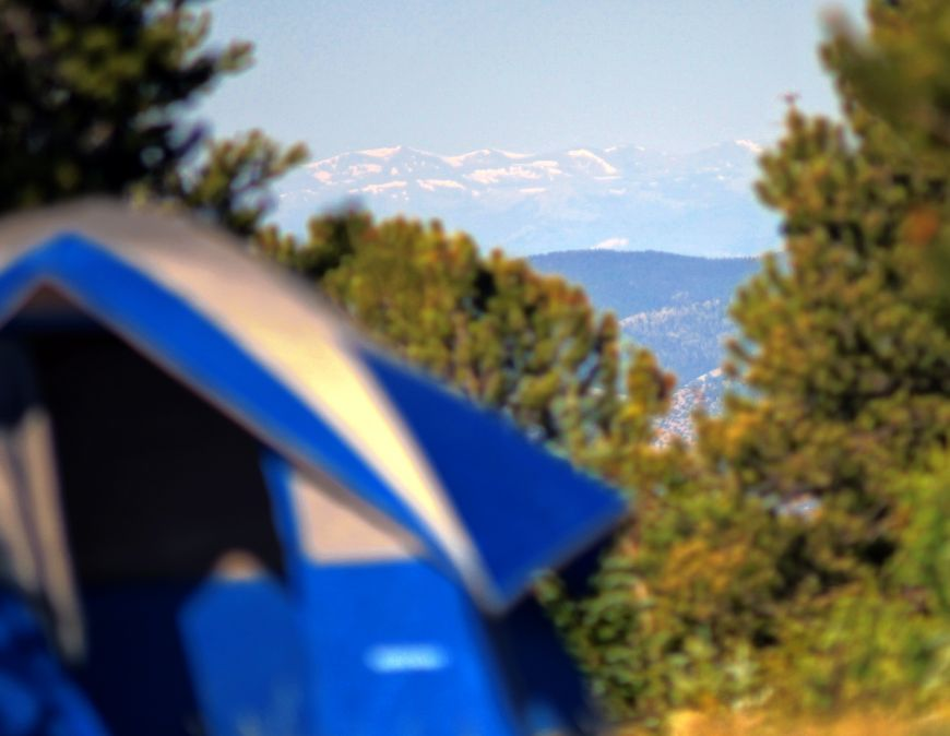 Telephoto photograph of Colorado's rocky mountains, as seen from Hayden Pass