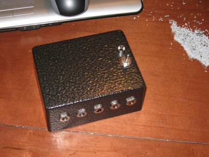 power supply DIY enclosure for guitar effect pedals and stomp boxes